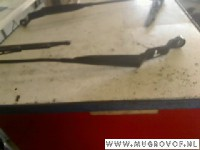 Volvo V40 (VW) 1.9 D (D4192T3) WINDSHIELD WIPER ARM LEFT FRONT 2004